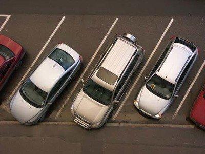 于洪区施划2.3万个停车位缓解停车难